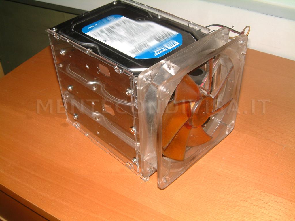 Mente condivisa box per hard disk fai da te for Box per cavalli fai da te