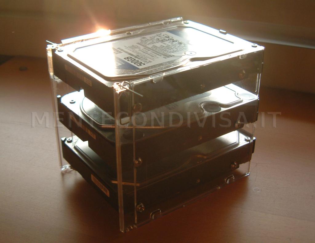 Mente condivisa box per hard disk fai da te - Hard disk esterno non letto ...